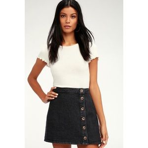 🆕 Black Washed Button-Front Denim Mini Skirt